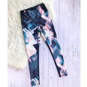 Lucy geometric abstract print leggings